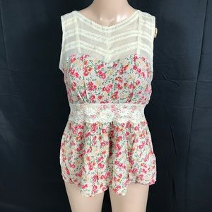 Forever 21 Floral sleeveless top